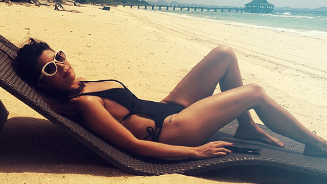 Geneva Cruz In A Black One-Piece Swimsuit Is Everything You Need To See Today
