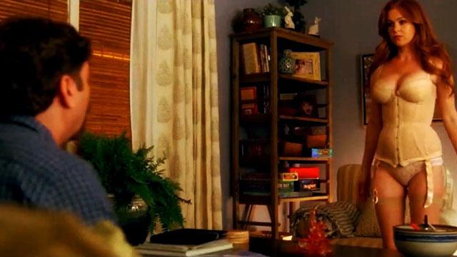 Isla Fisher Is The Stunning Neighbor We All Wish We Had