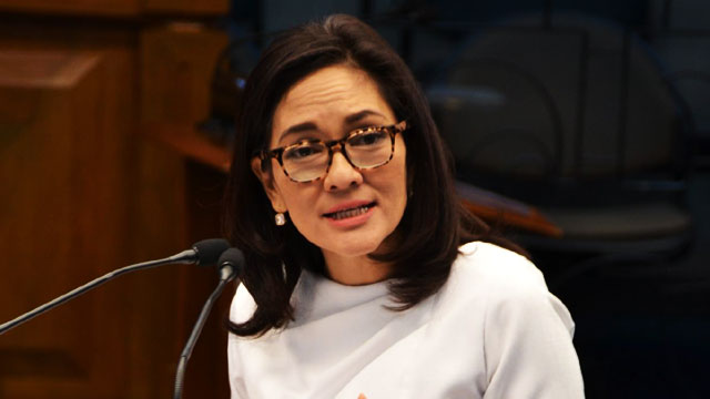 Sen. Hontiveros Asks Duterte To Deny Hero's Burial For Marcos