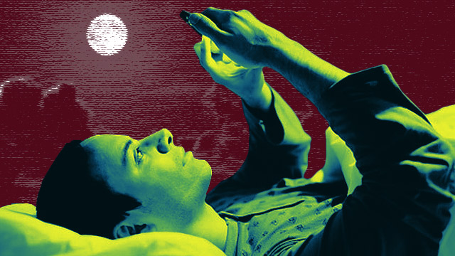 Lay Off The Smartphone If You Want To Get A Good Night's Sleep