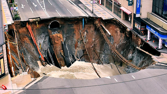If Only The Philippines Could Fix A Sinkhole As Quick As Japan