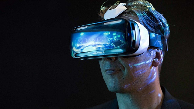 The Practical Pros And Cons Of Virtual Reality