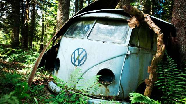 Watch A Volkswagen Kombi Get Restored In The Middle Of The Woods