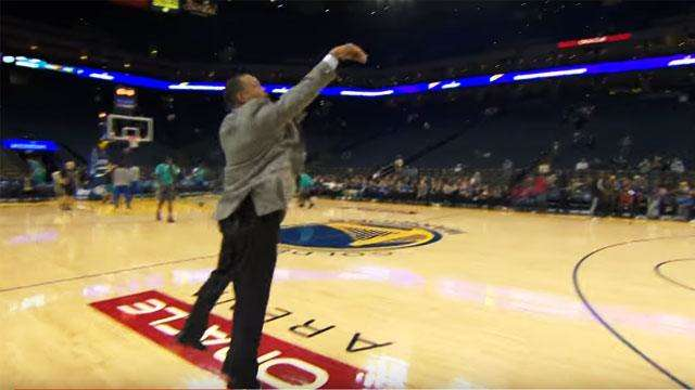 Dell Curry Shows Son Steph Where He Got His Game