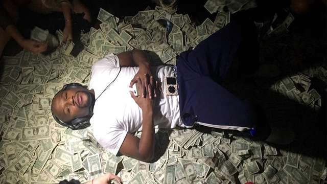 Floyd Mayweather Gets Robbed On His Birthday