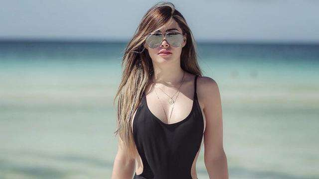 Just A Mind-Blowing Compilation Of Daiana Menezes' Beach Snaps