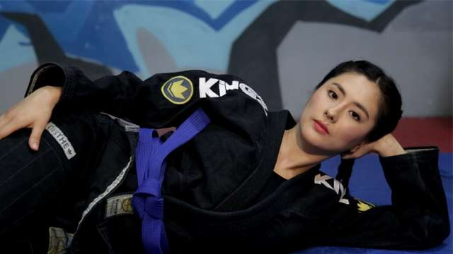 Jinri Park Teaches You 5 Basic Jiu-Jitsu Moves
