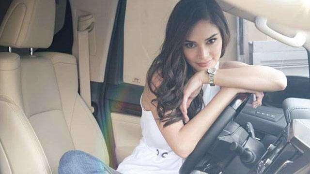 Pia Wurtzbach's First Brand-New Car Is Fit For  A Queen