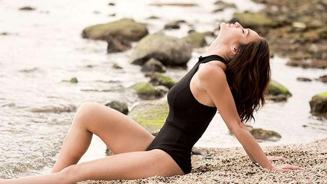 WATCH: Amanda Villanueva Knows How To Have Fun At The Beach