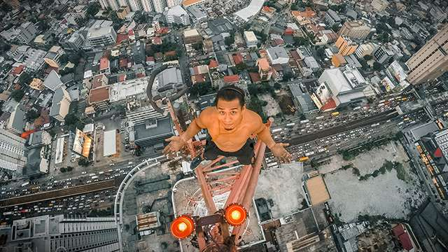 This New Breed Of Daredevils Hang Out On The Edge Of Skyscrapers For Fun