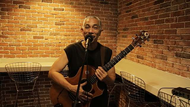 FHM Sessions: Joey Ayala Performs 'Dumaan Ako'