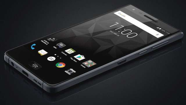 LEAKED: The First Frontal Image Of The BlackBerry Touchscreen