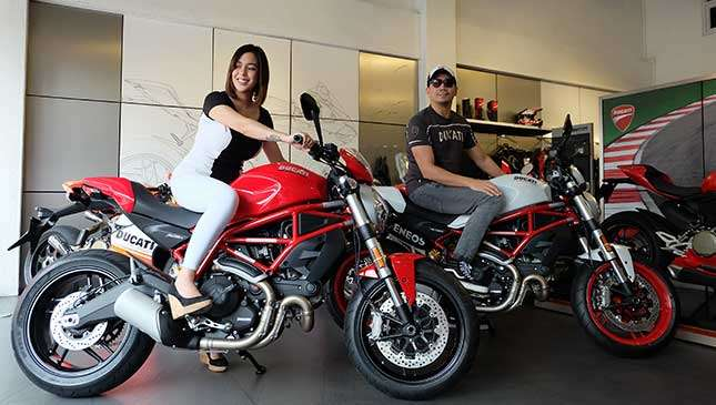 Karel Marquez To Husband: 'Yes To Bikes, No To Babes'