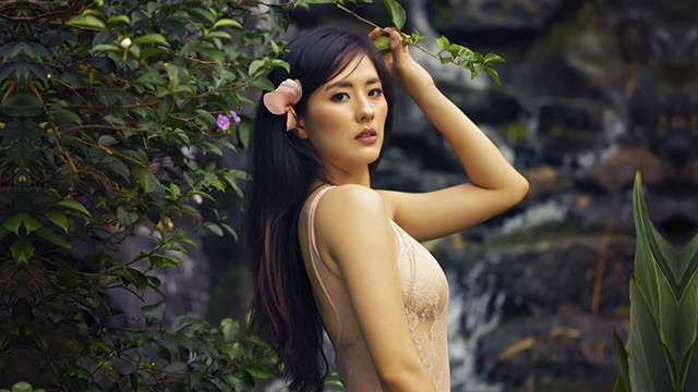 LOOK: Sexy Calendar Is The Newest Addition To Your Jinri Park Shrine