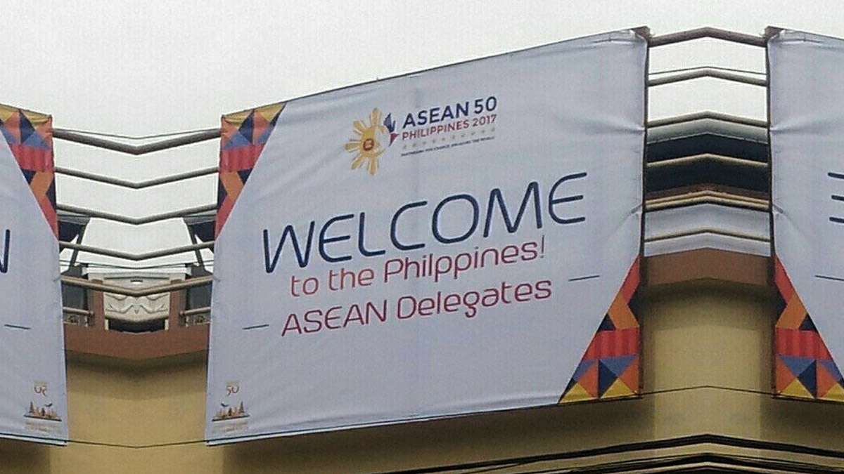 ASEAN Welcome Tarpaulin Misspells 'Philippines' (And Netizens Are Rightfully Embarrassed)