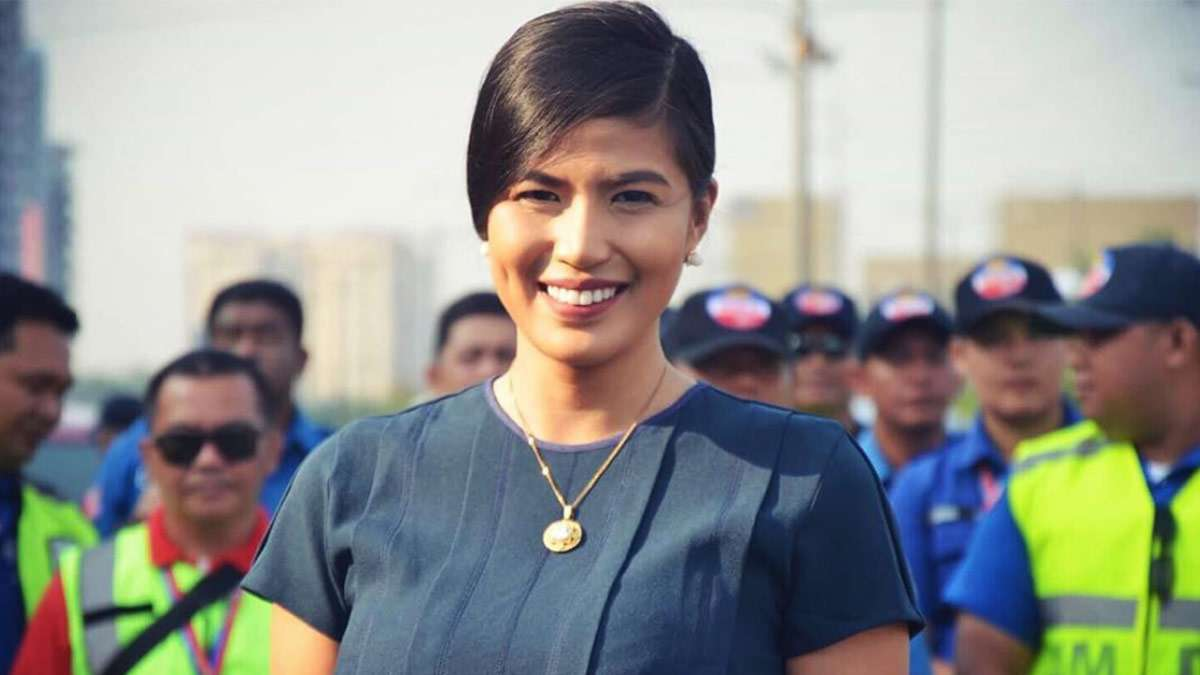 MMDA Spokesperson Celine Pialago Is A Real Traffic-Stopper