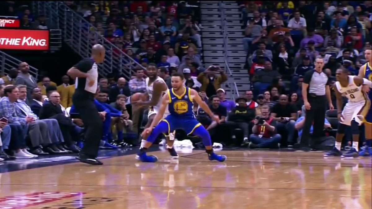 Stephen Curry Out For At Least 2 Weeks After Ankle Injury