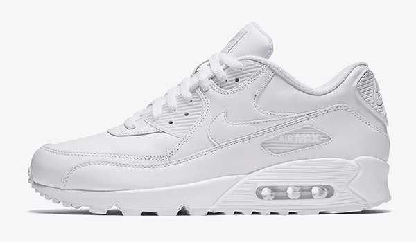 981f79e81 13 Best Classic White Sneakers For Men
