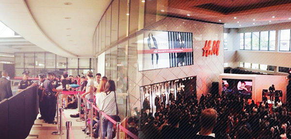 H&M Philippines' Grand Opening: A Gallery Of Crazy Happy Fashionistas!