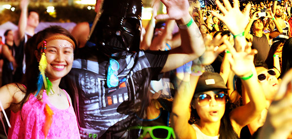 #PartyPa: 8 Signs You Were Partying At Neverland Manila 2014!