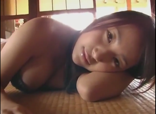 FHM's Sexy GIFs To End The Week: Chiri Arikawa Is The Worst Study Buddy (But You Won't Mind)!