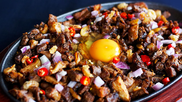 6 Ways To Spice Up Your Sisig Dish