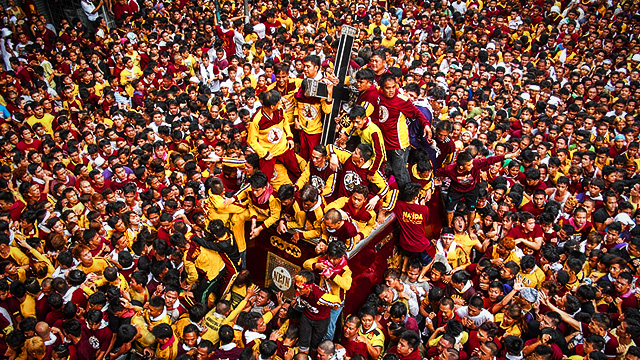 LOOK: The Glorious Sights At This Year's Nazareno Procession