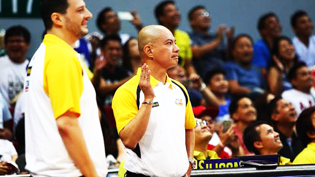 WATCH: Yeng Guiao Does The 'Pabebe Wave'