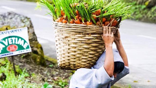 Meet 'Carrot Man,' The Igorot Farmer Who's Dropping Panties On Social Media Right Now