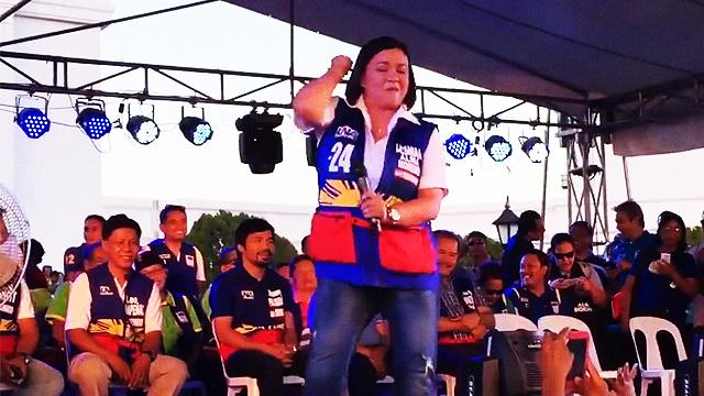 Things Politicos Do For Votes: Alma Moreno Can Still Do Her 'Loveli-Ness' Moves