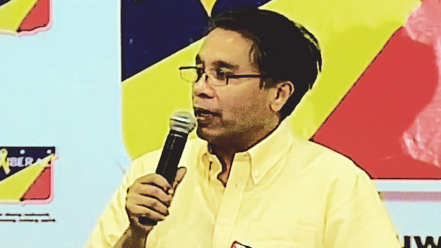 Roxas Concedes, Wishes Digong 'Success' In Presidency