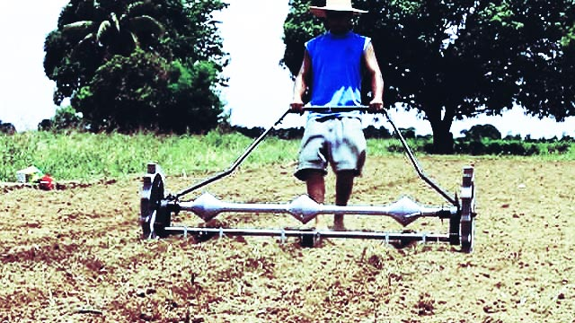 UP Student Invents Device That Cuts Corn Planting Time