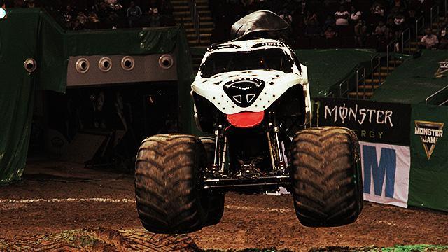 Flying Monster Trucks And Other Tricks We Saw At Monster Jam Manila 2016