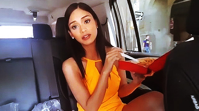 Pia Feasting On Jollibee Is As Adorable As It Gets