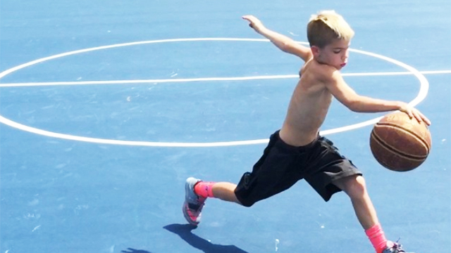 This 11-Year-Old Kid Handles The Ball Like Steph Curry