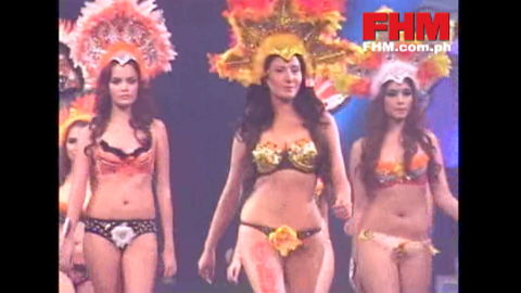 100 Sexiest 2010 Victory Party : Katrina Halili with the GBX models