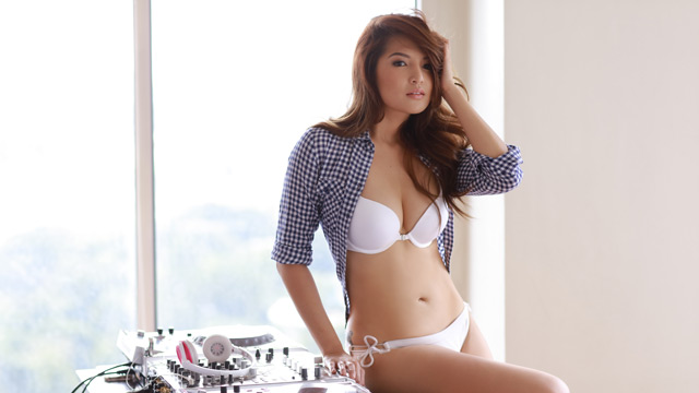 FHM Idol December 2015 - DJ Jennifer Lee Teaches You How To Control The Music