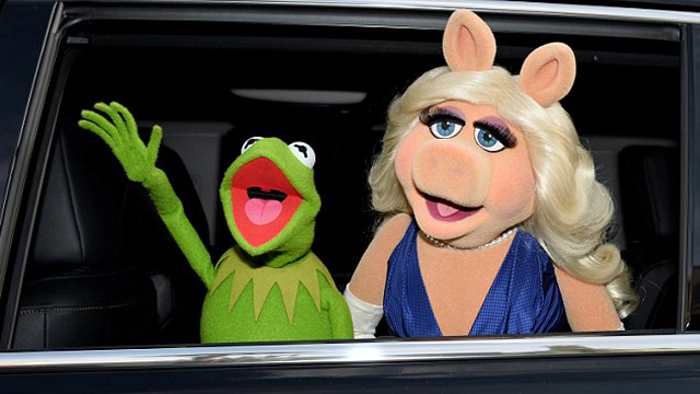 CHILDHOOD RUINED: After 40 Years Of Being Together, Kermit The Frog And Miss Piggy Break Up