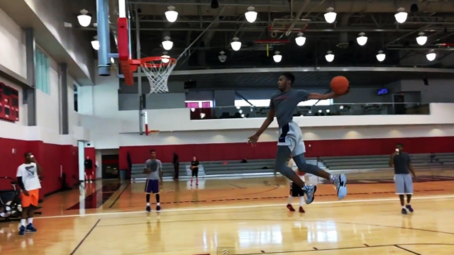 Top High School Dunker Attempts Windmill Slam From Free-Throw Line