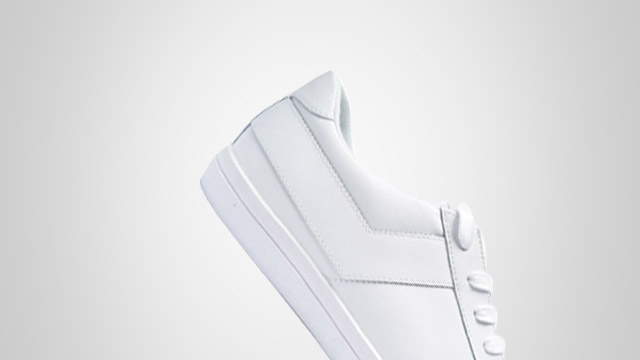 You Need This All-White Sneakers For Summer