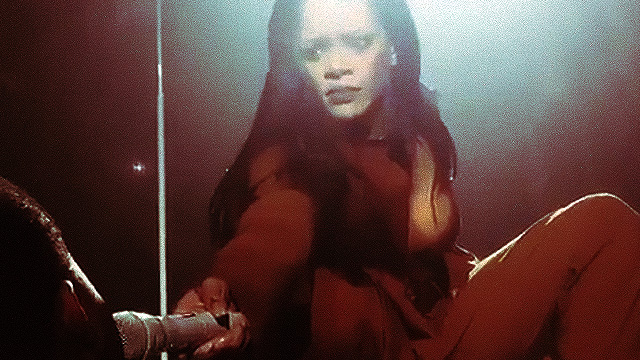 Rihanna Almost Dropped Her Mic After Hearing Fan Sing