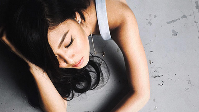 WATCH: Nadine Lustre Has Maximum Chill Riding A Motorcycle To Beat Traffic