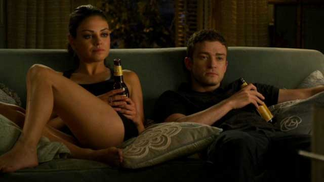 CHEERS: Sexpert Says Drinking Beer Can Make Us Better In Bed