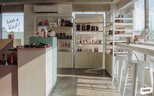 ilya store interior