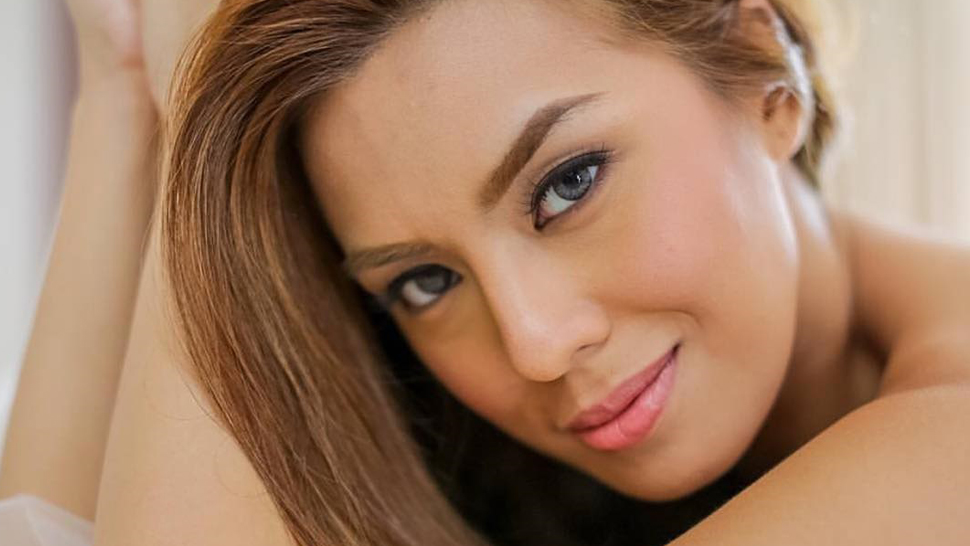 Nikki Gil's 5-minute Makeup Routine