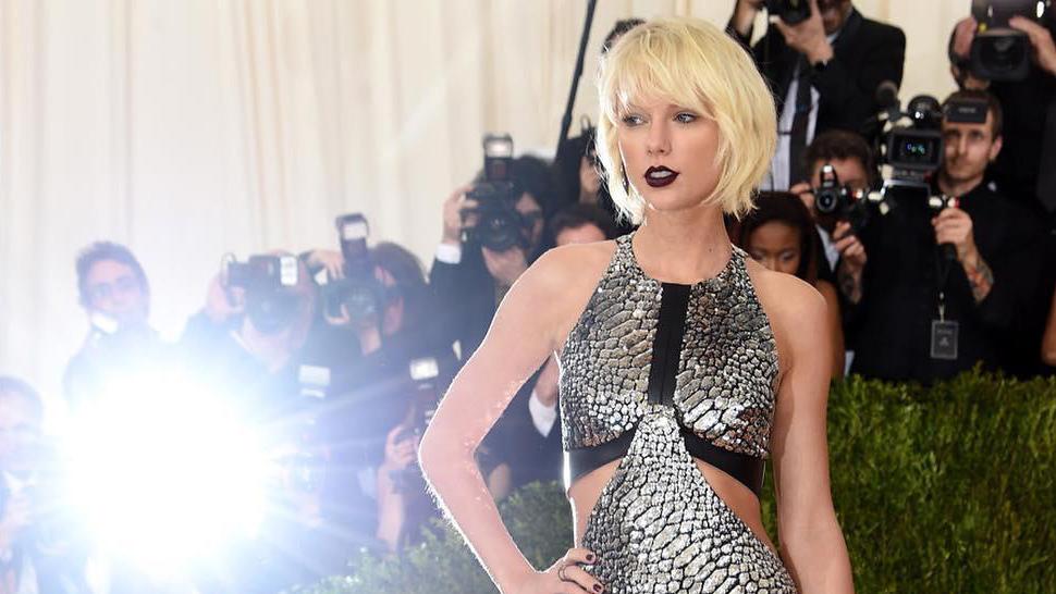 Taylor Swift Got A (slightly) New 'do