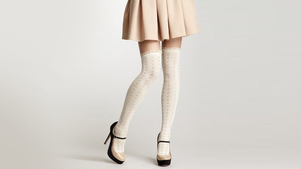 10 Stylish Ideas To Wear Over-the-knee Socks Without Looking Like A School Girl