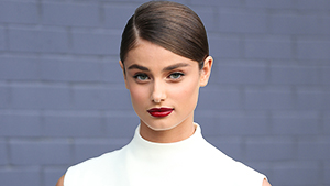 5 Things It Model Taylor Hill Has In Her Makeup Bag
