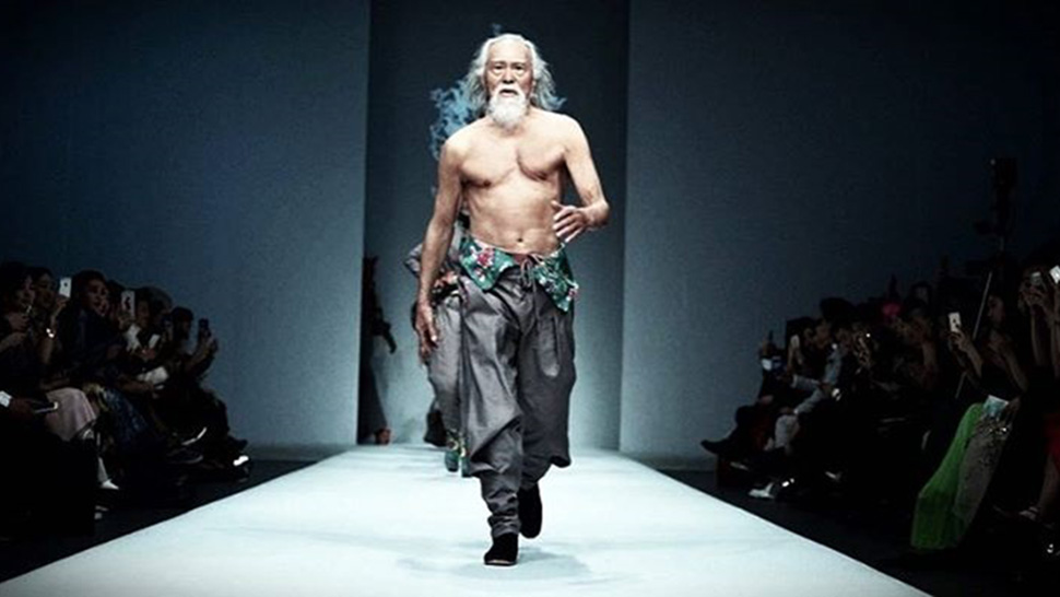 This Male Model Is Already 80 Years Old And Still Killing It On The Runway