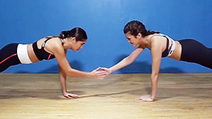 15-minute Ab Workout With Katarina Rodriguez And Mau Schrijvers